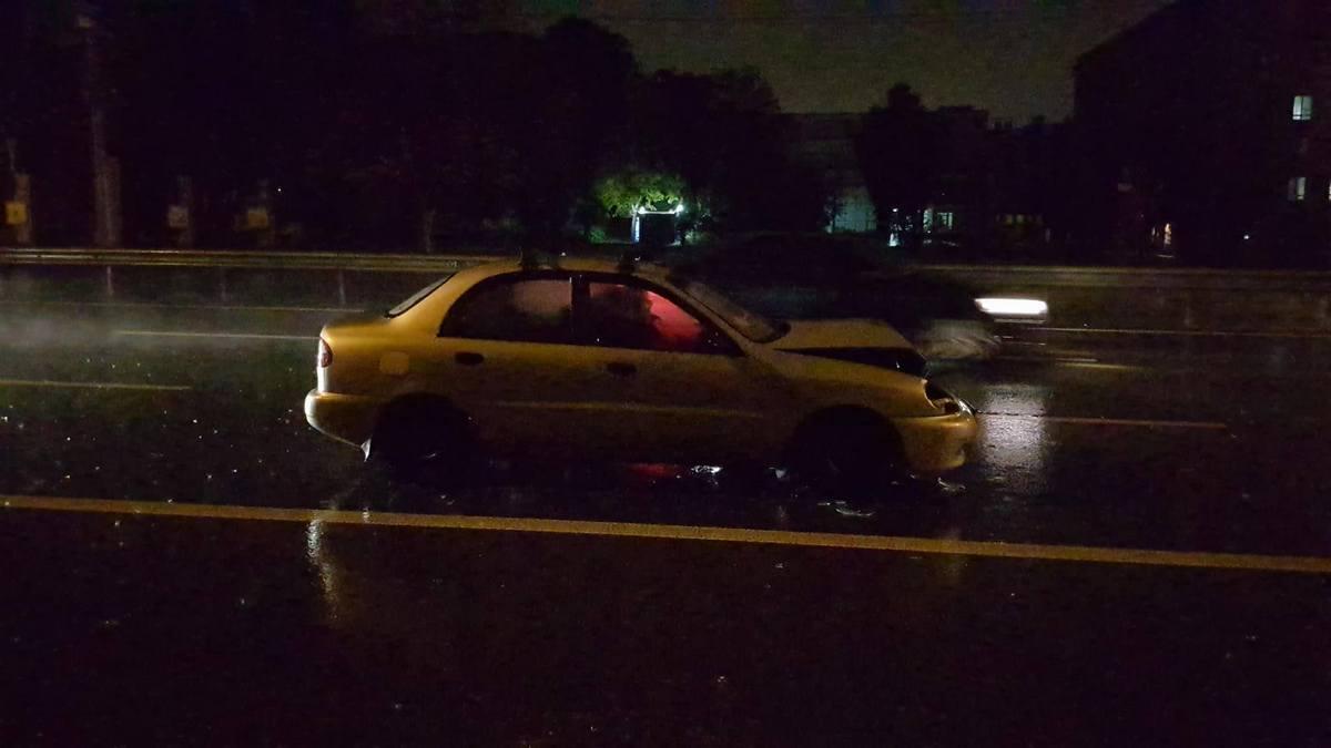 Жуткое ДТП вКиеве: разбиты 5 авто