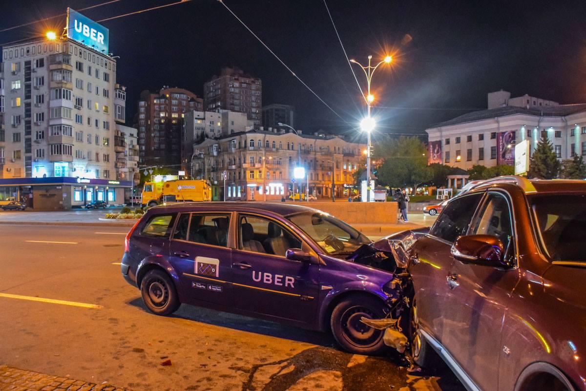 Вцентре столицы Украины случилось масштабное ДТП