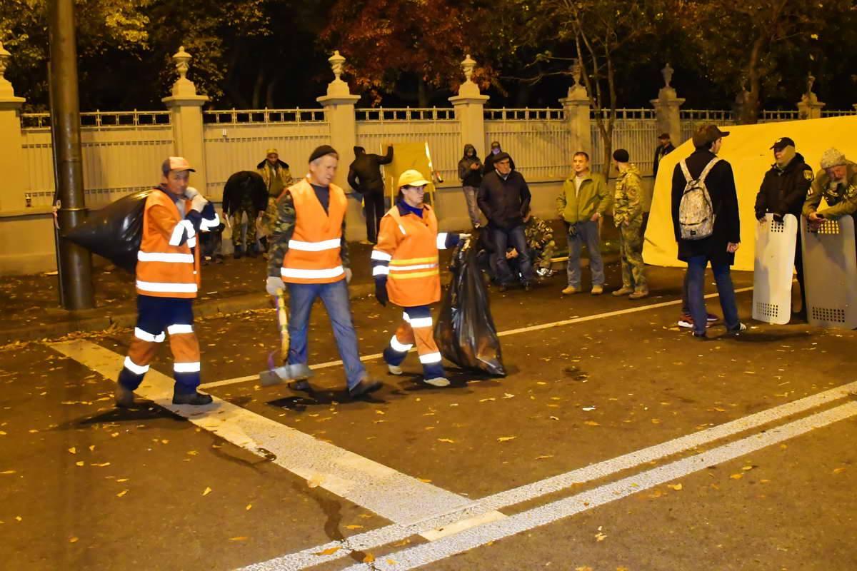 На Грушевского следят за чистотой
