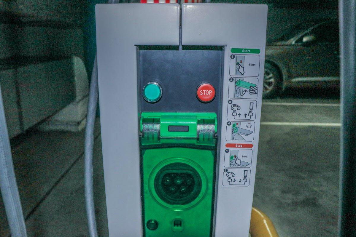 Инструкция, как правильно заряжать электромобиль