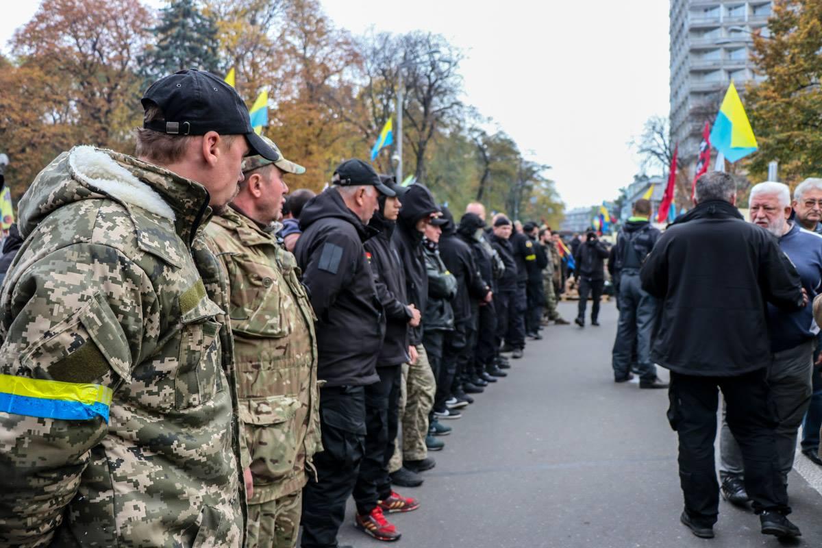 Митингующие не собираются в скором времени покидать палаточный городок