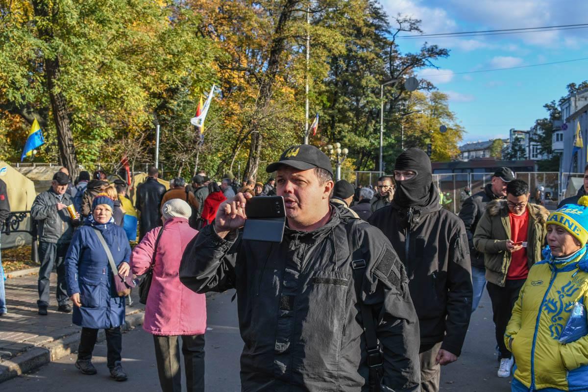 Народный депутат Семен Семенченко