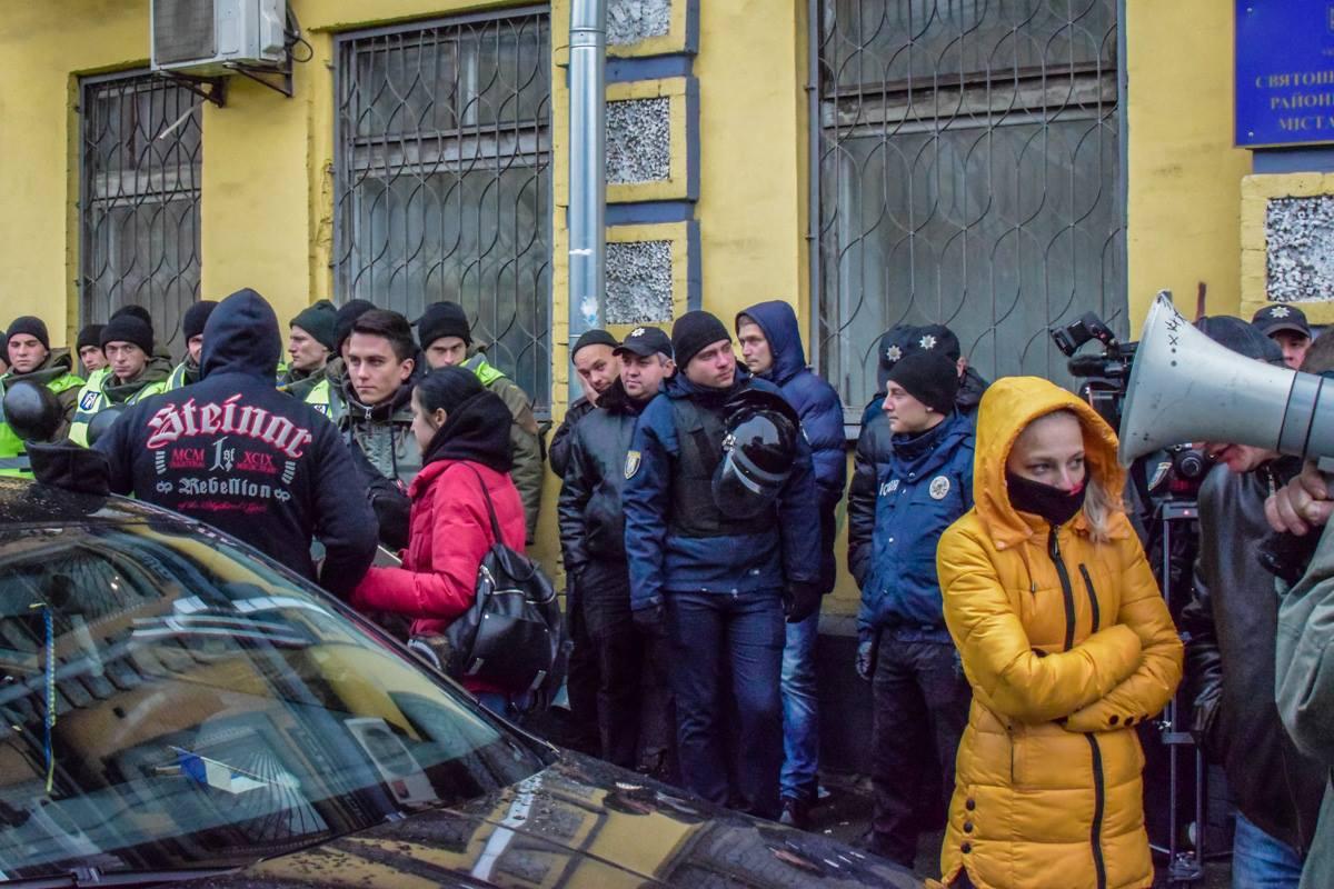 Большинство из присутствующих поддерживают Коханивского