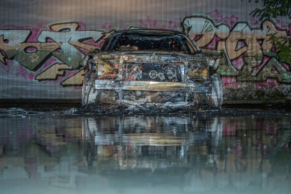 На Лобановского сгорело авто