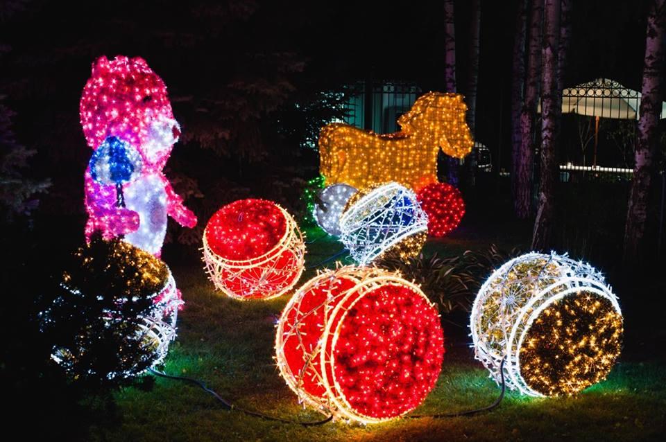 В сэлфи-зоне установят 30 новогодних арт-объектов