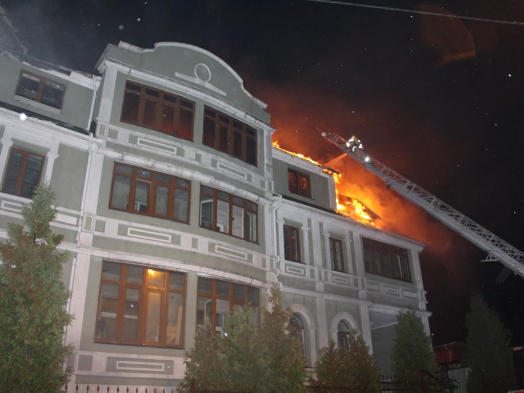 Пожар на улице на улице Обуховской, 60.