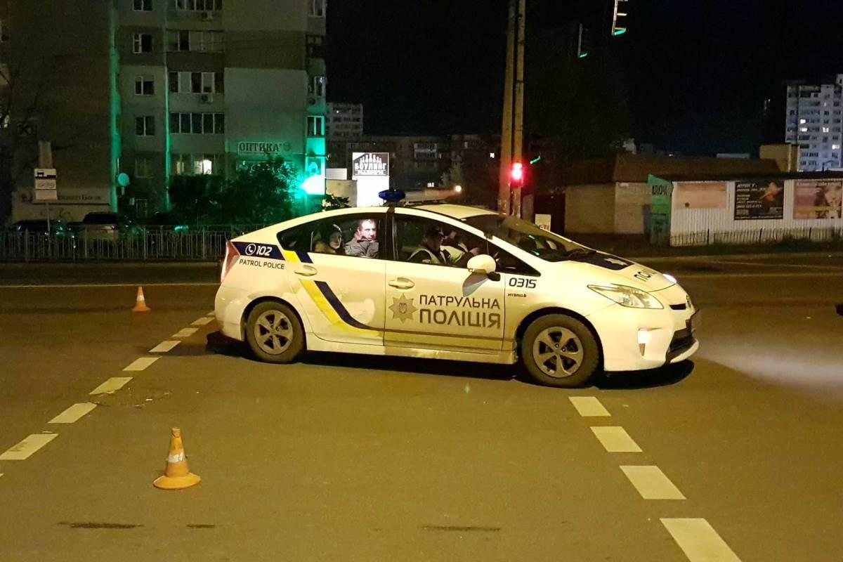 Жуткое ДТП вКиеве: пешехода сбили две машины