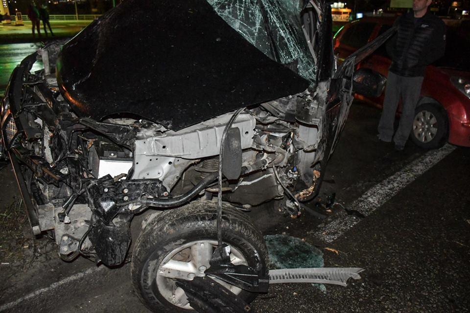 ДТП случилось в 21.30 на Жулянском путепроводе между АЗС OKKO и SOCAR