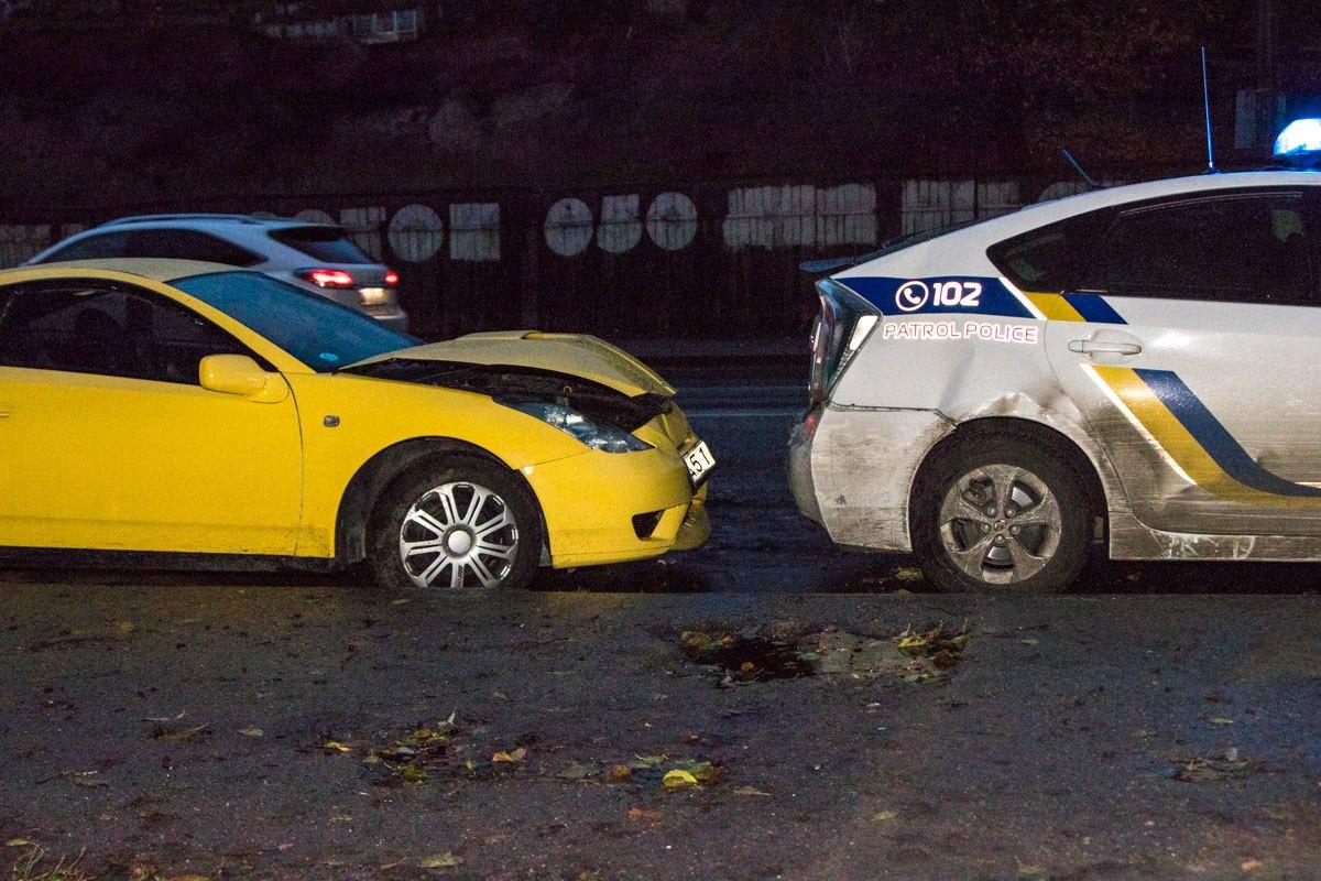 ВКиеве вмашину оформлявших ДТП патрульных врезалось очередное авто