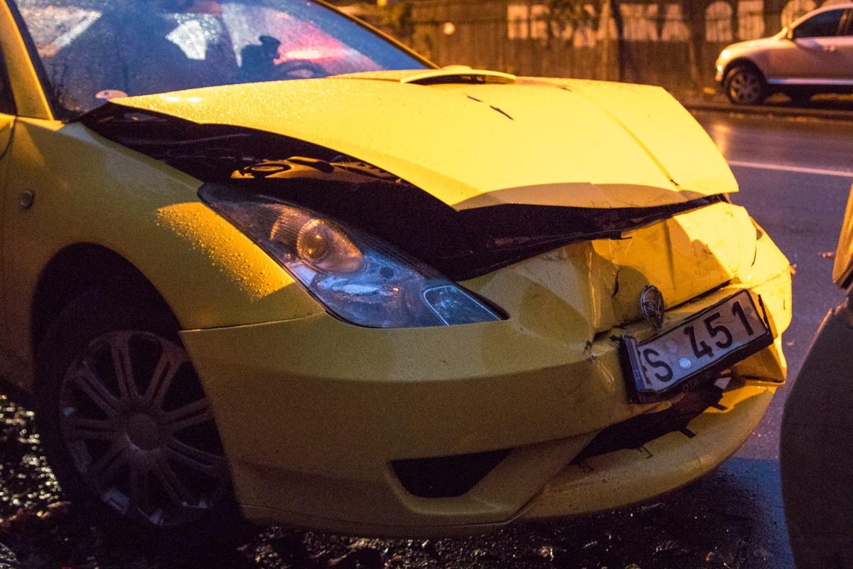 Водитель спорткара говорит, не сработали тормоза