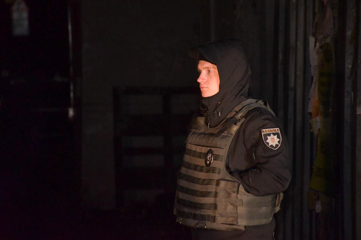 Территорию, на которой случилось покушение на Амину Окуеву и ее мужа, оцепила полиция