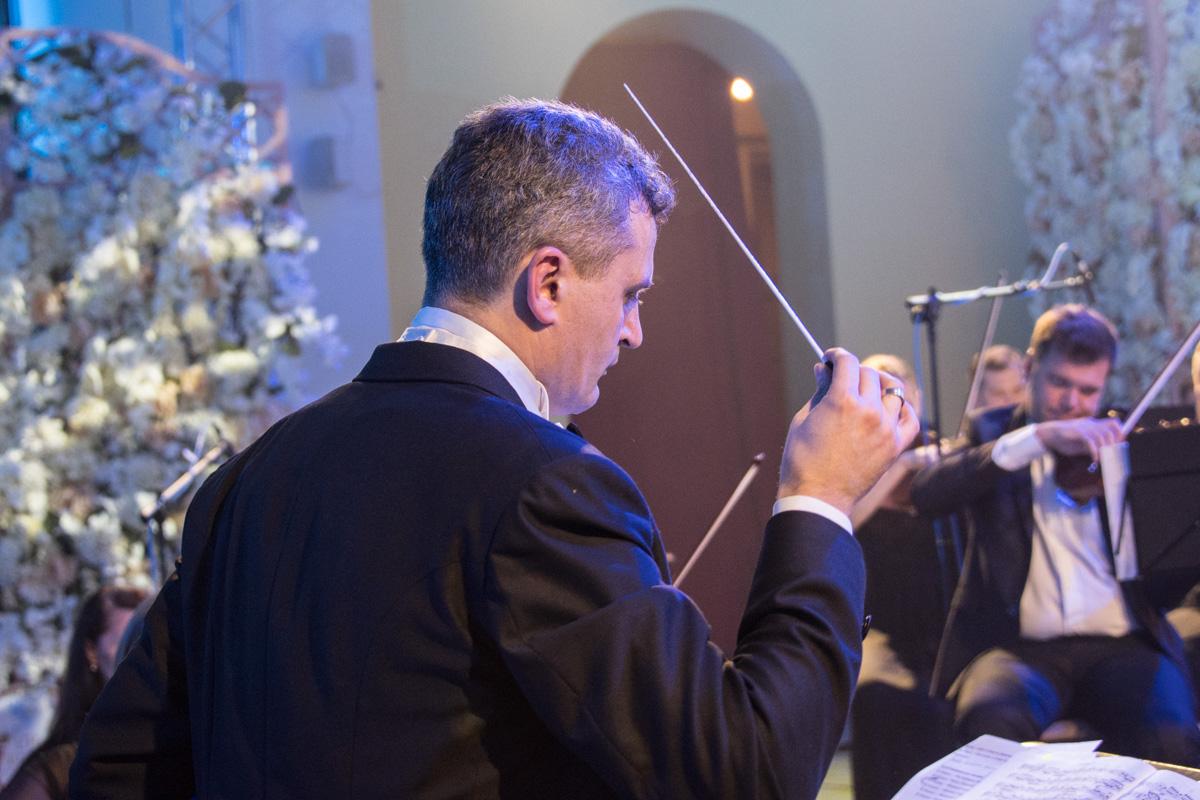 На Венском балу играла живая музыка