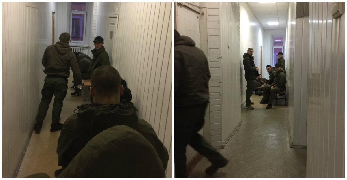 В здание Соломенского суда, куда должны привезти сына Арсена Авакова, зашли люди в камуфляже