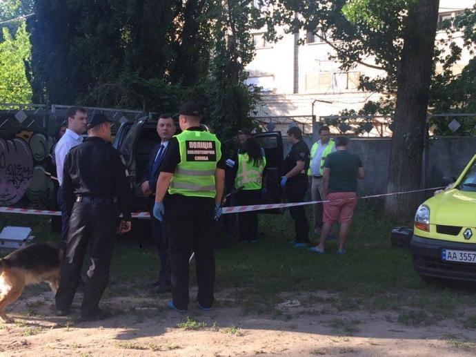 Адам Осмаев остался жив благодаря своей супруге Амине Окуевой, расстрелявшей киллера