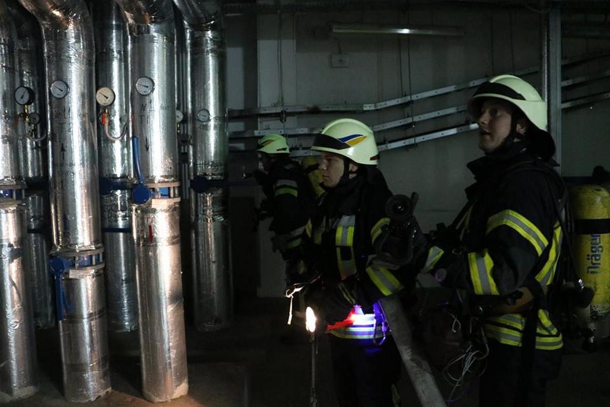Спасатели провели противопожарные учения совместно с сотрудниками ТРК