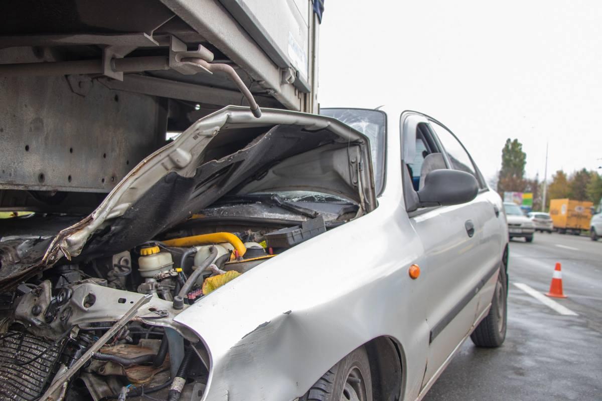 В ДТП пострадал водитель и пассажир