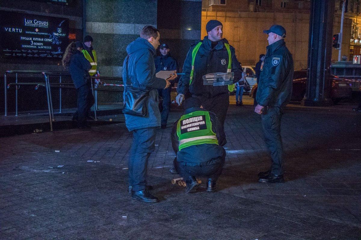 Правоохранители изучают территории на улики