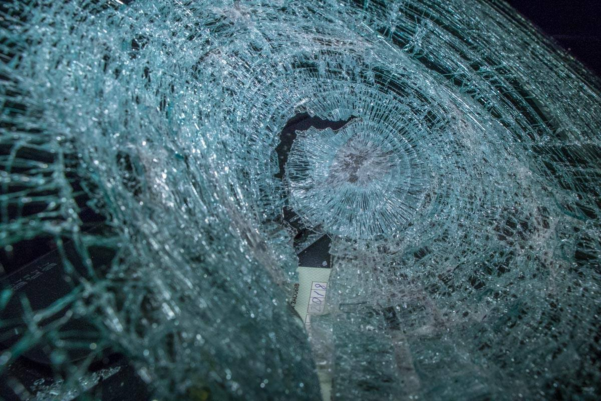 Лобовое стекло разбито