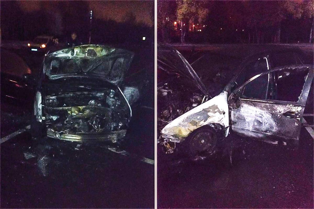 Сгоревшие в ночь на 7 ноября машины