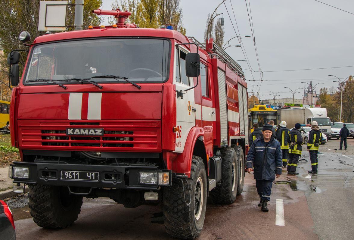На месте работали спасатели