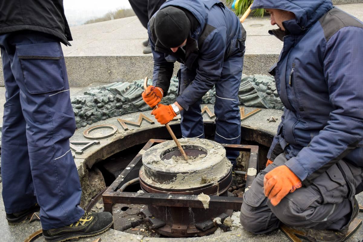 Памятник очищали газовщики