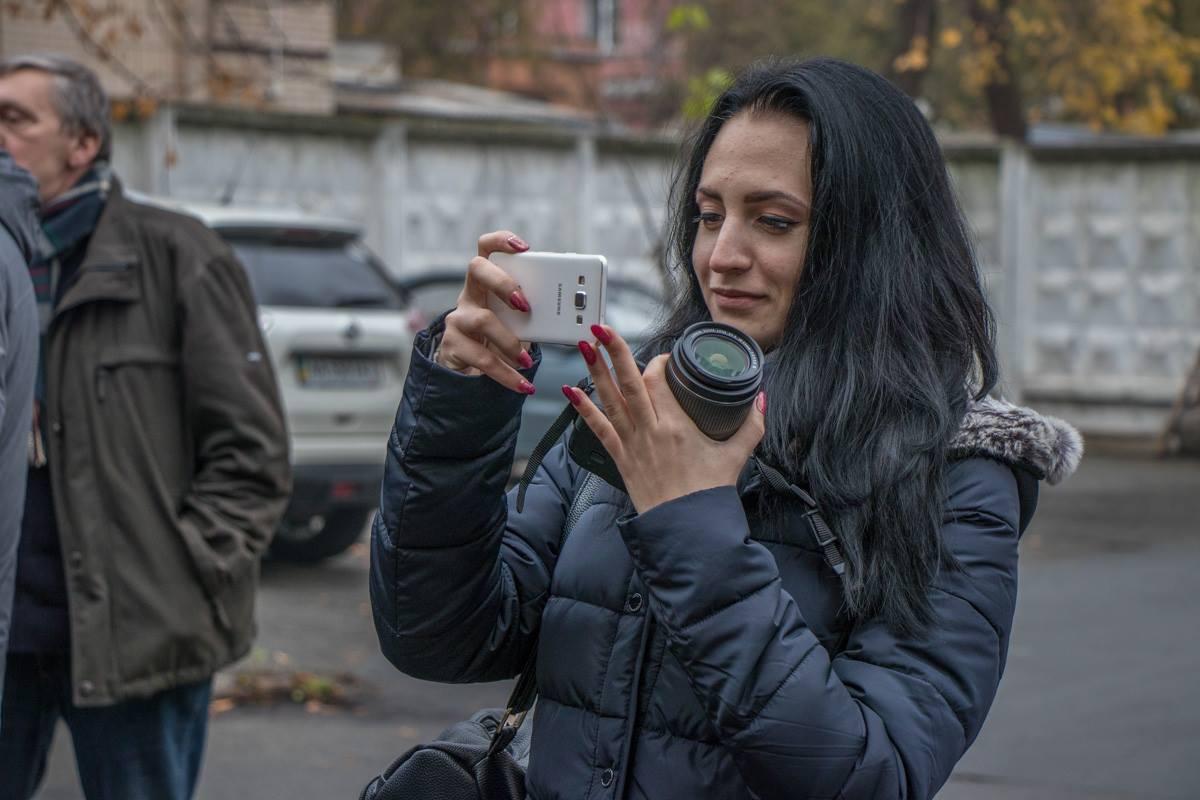 Митингующих снимали на видео и фотографировали прохожие