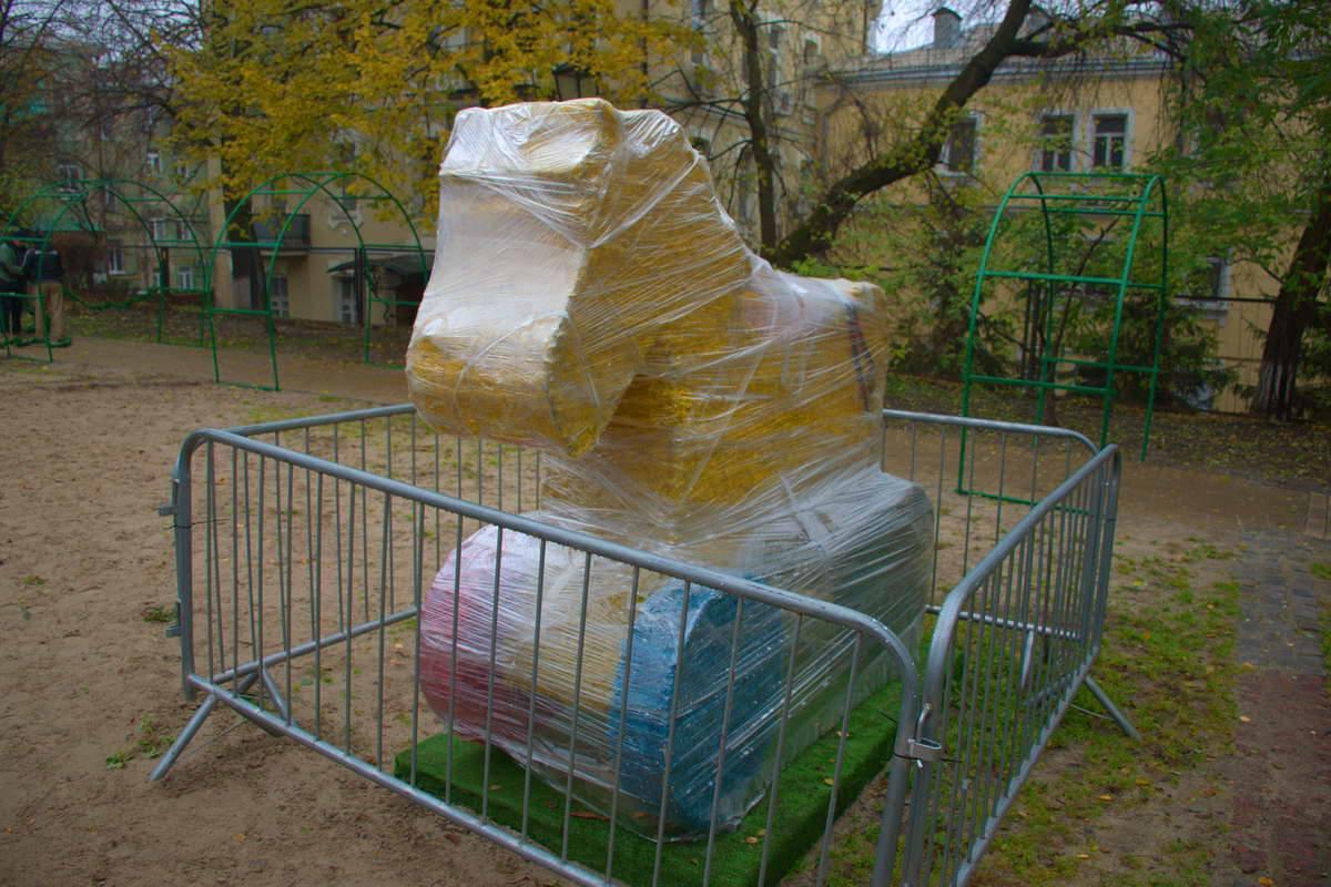 Скульптуры установили для празднования Нового года