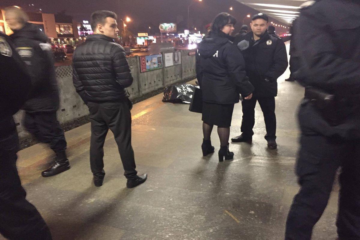 По предварительной информации, погибший сам бросился под поезд