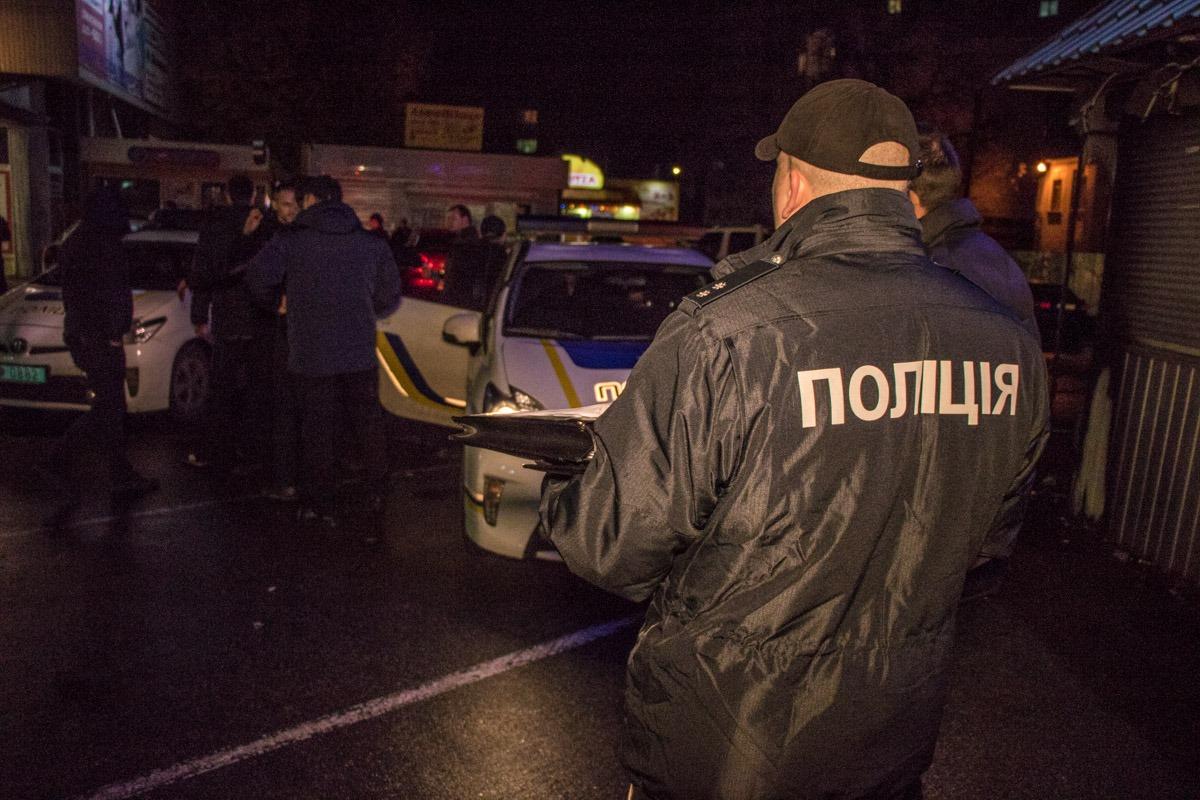 Полиция изымает записи камер видеонаблюдения