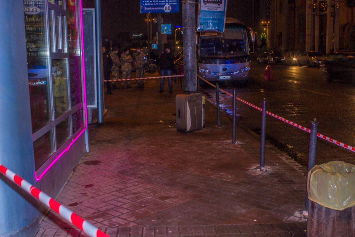 Чемодан заставил понервничать правоохранителей и посетителей кофейни