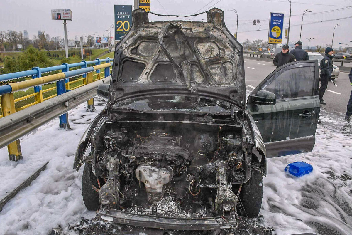 Вся передняя часть Hyundai сгорела
