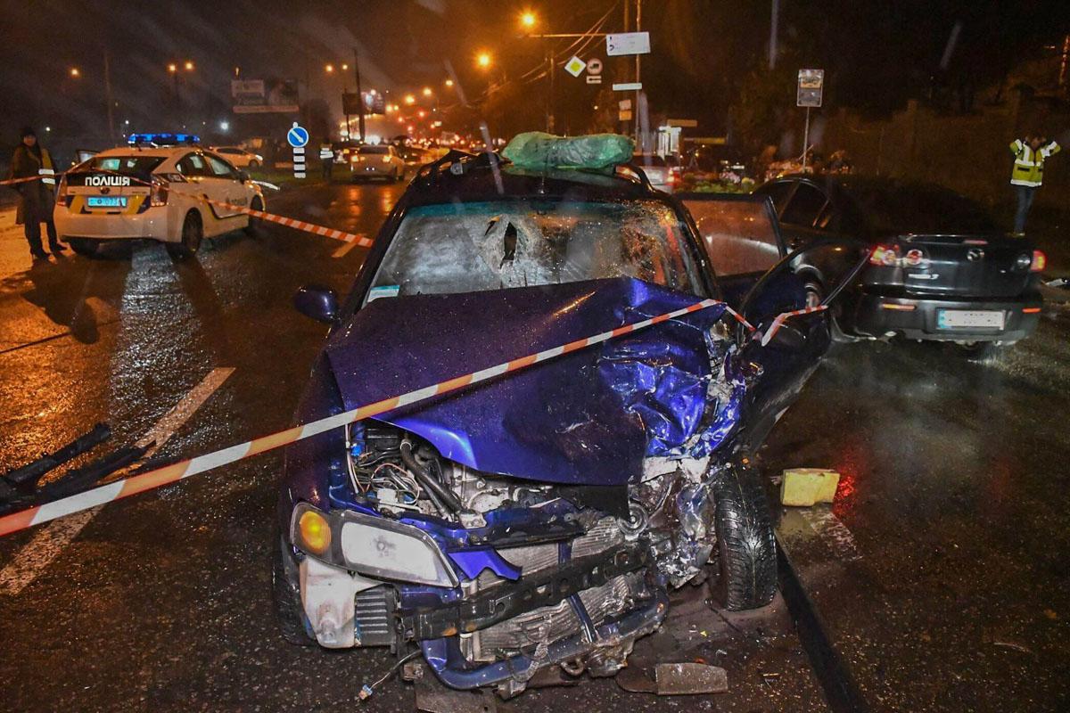 Водителя Mitsubishi увезли в больницу, пассажир погиб на месте аварии