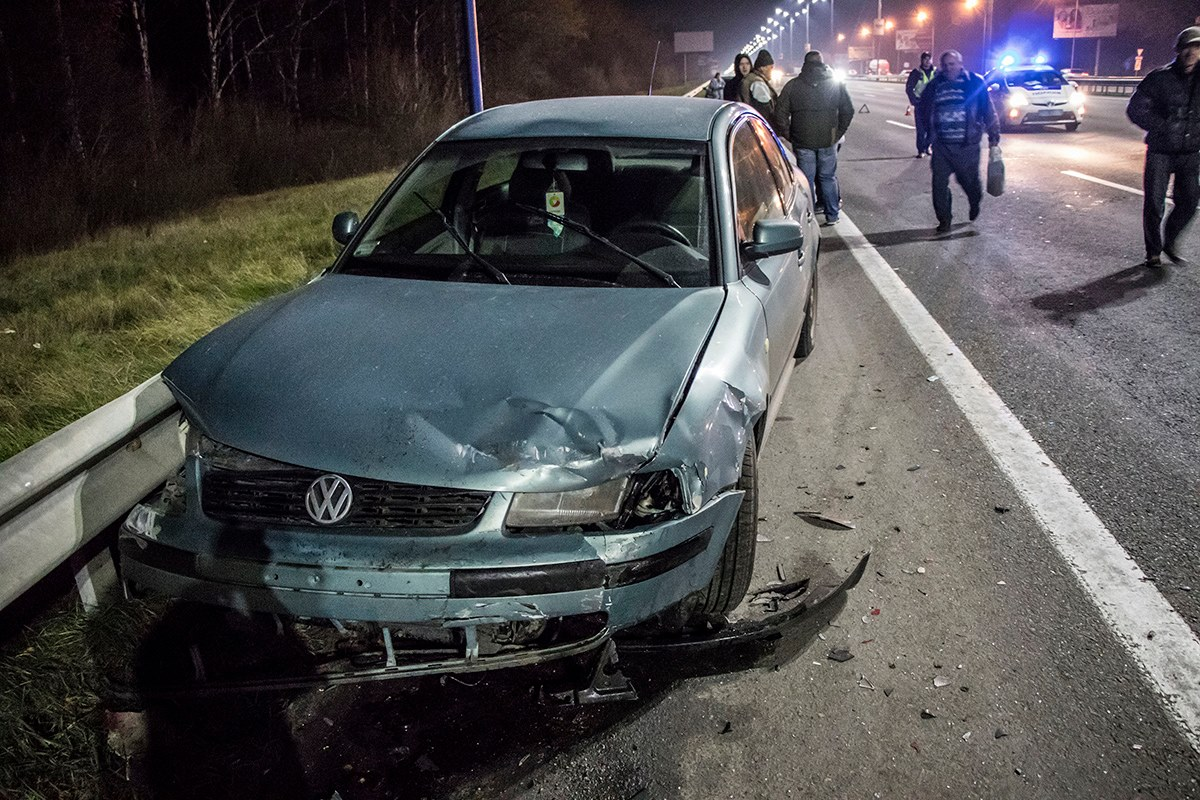 ВодительVolkswagen не смог уйти от столкновения