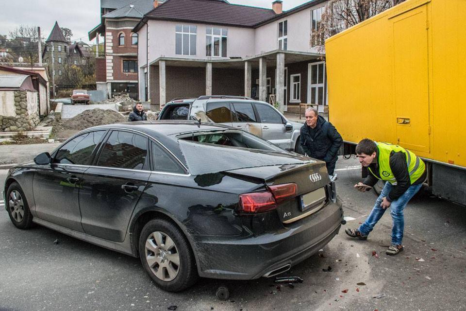 """""""Мое авто стало последним, среди тех, которые сбил грузовик"""", - сказал водитель Audi A6"""