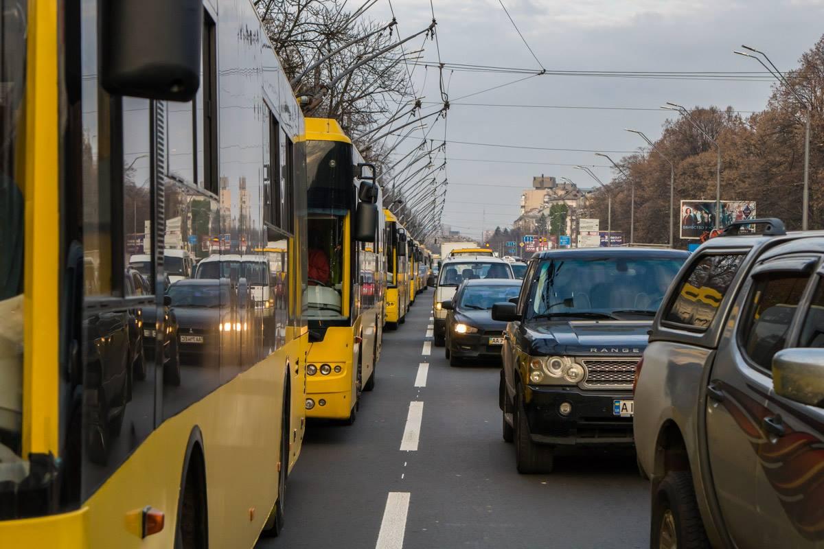 Из-за ДТП движение электротранспорта парализовало на полтора часа