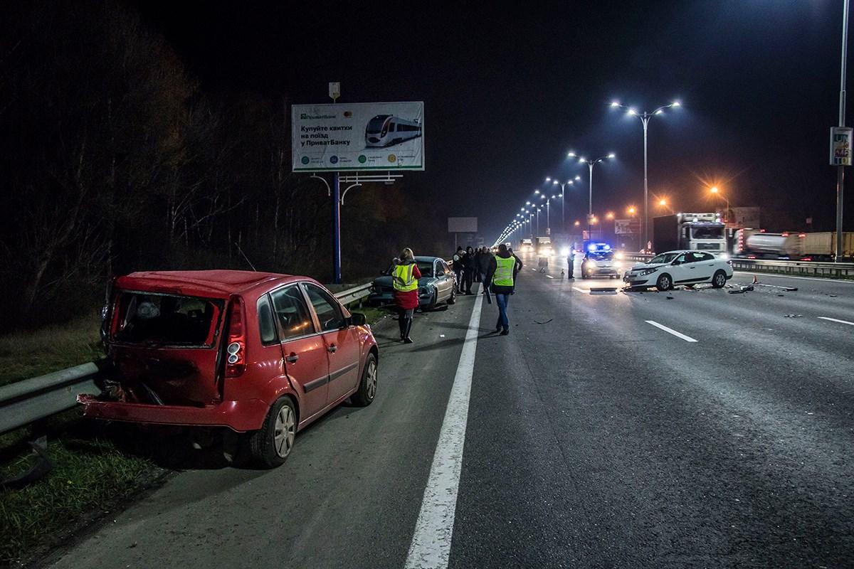 Участники ДТП не доехали до Киева около километра