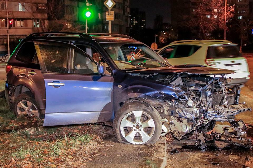 На улице Оноре де Бальзака столкнулись Subaru и Honda