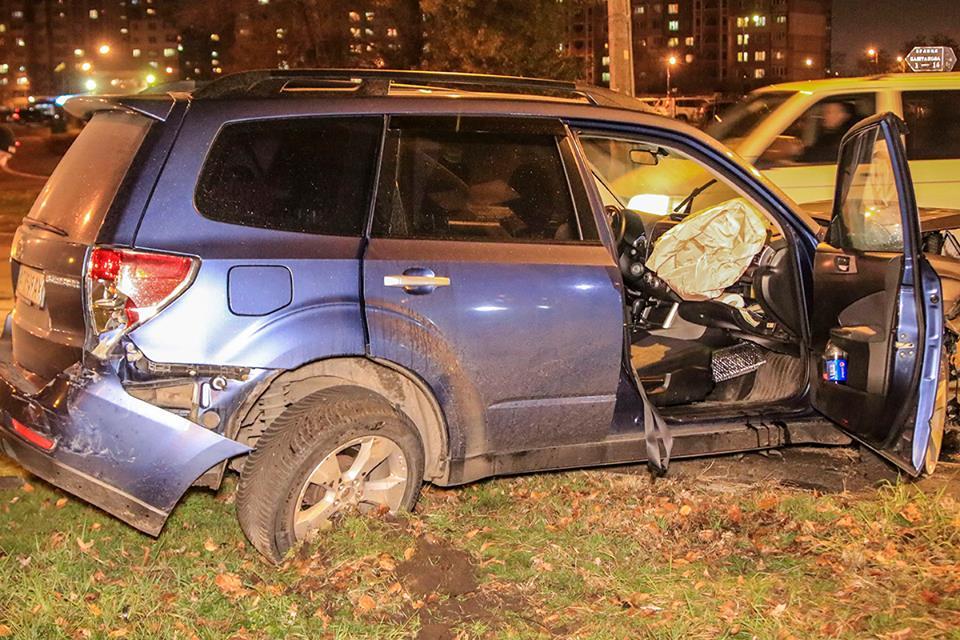 В Subaru находились четверо детей, один из которых получил травмы головы