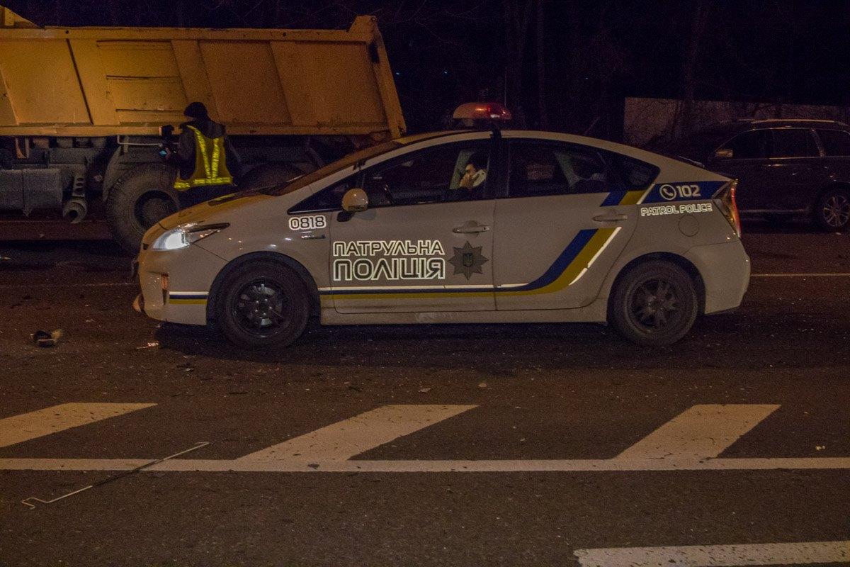 На месте работала полиция