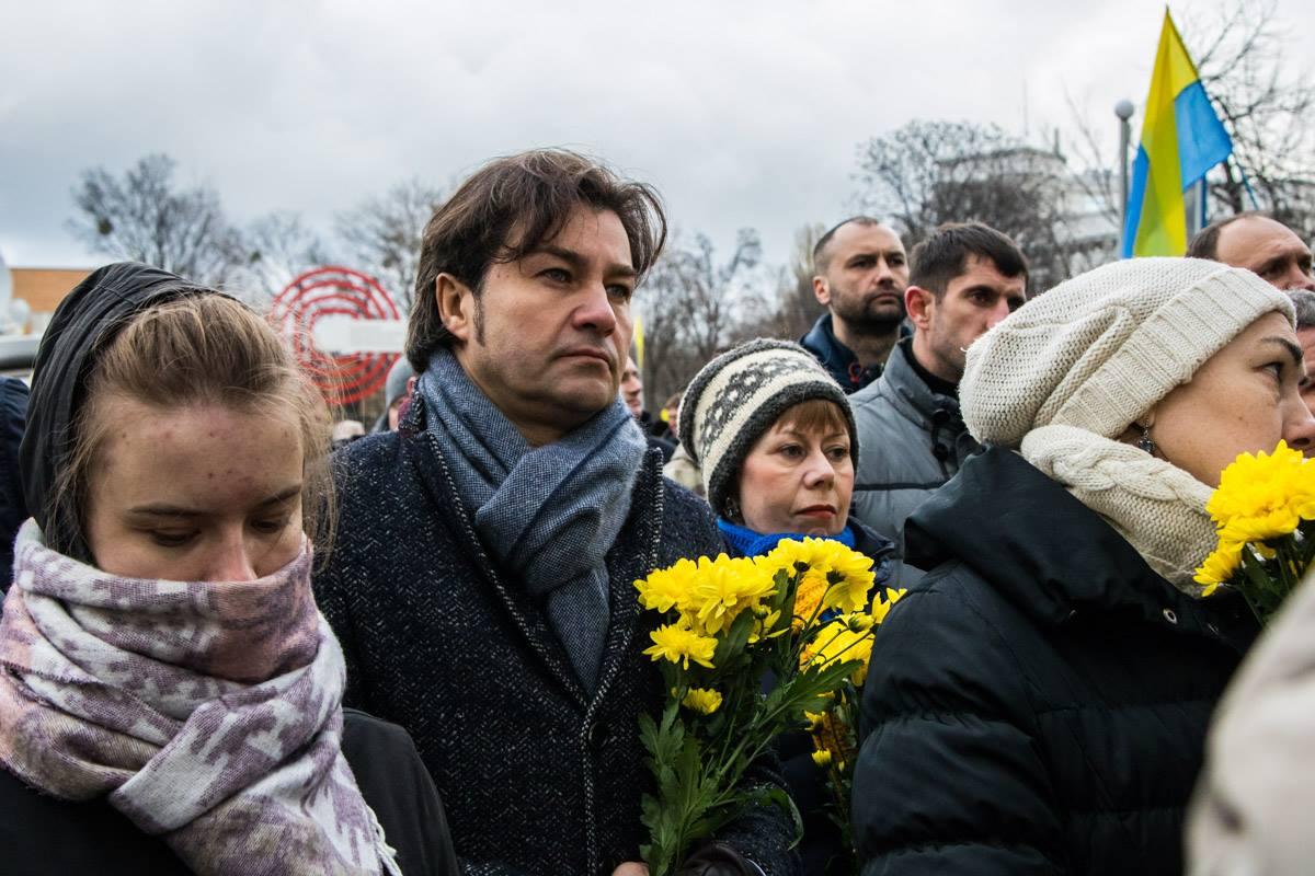 На молебен пришел Министр культуры Украины Евгений Нищук