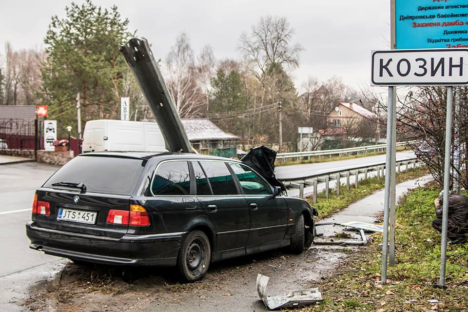 Происшествие произошло на въезде в Козин