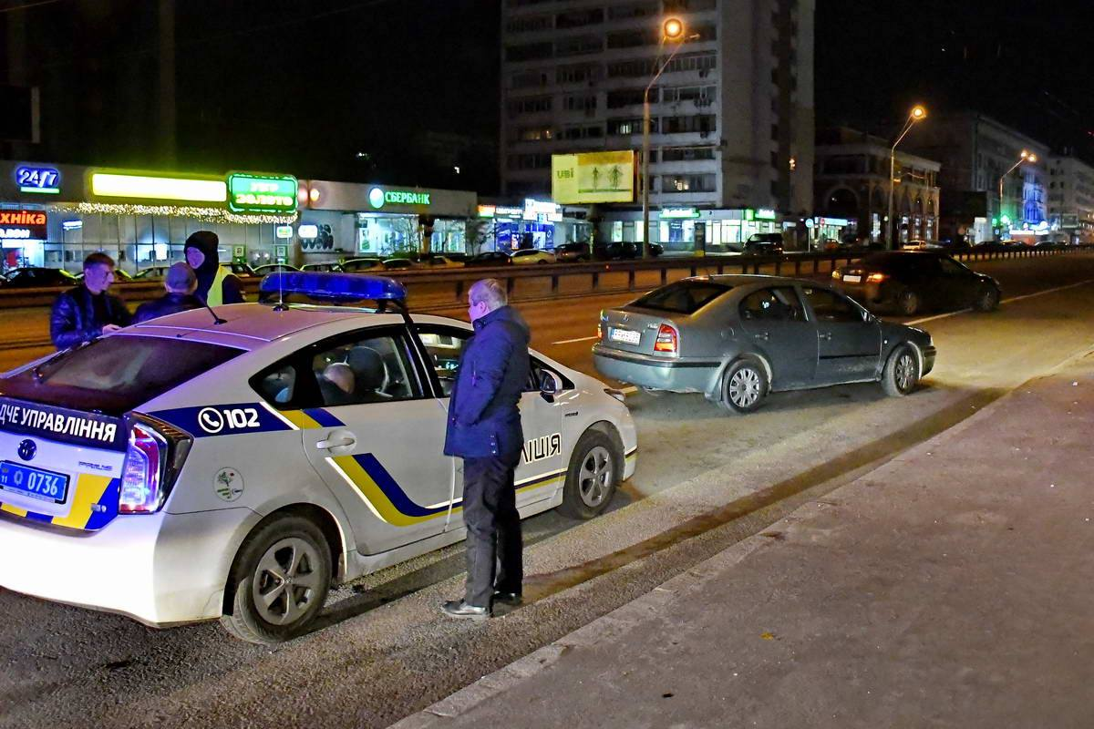 ДТП произошло неподалеку метро КПИ