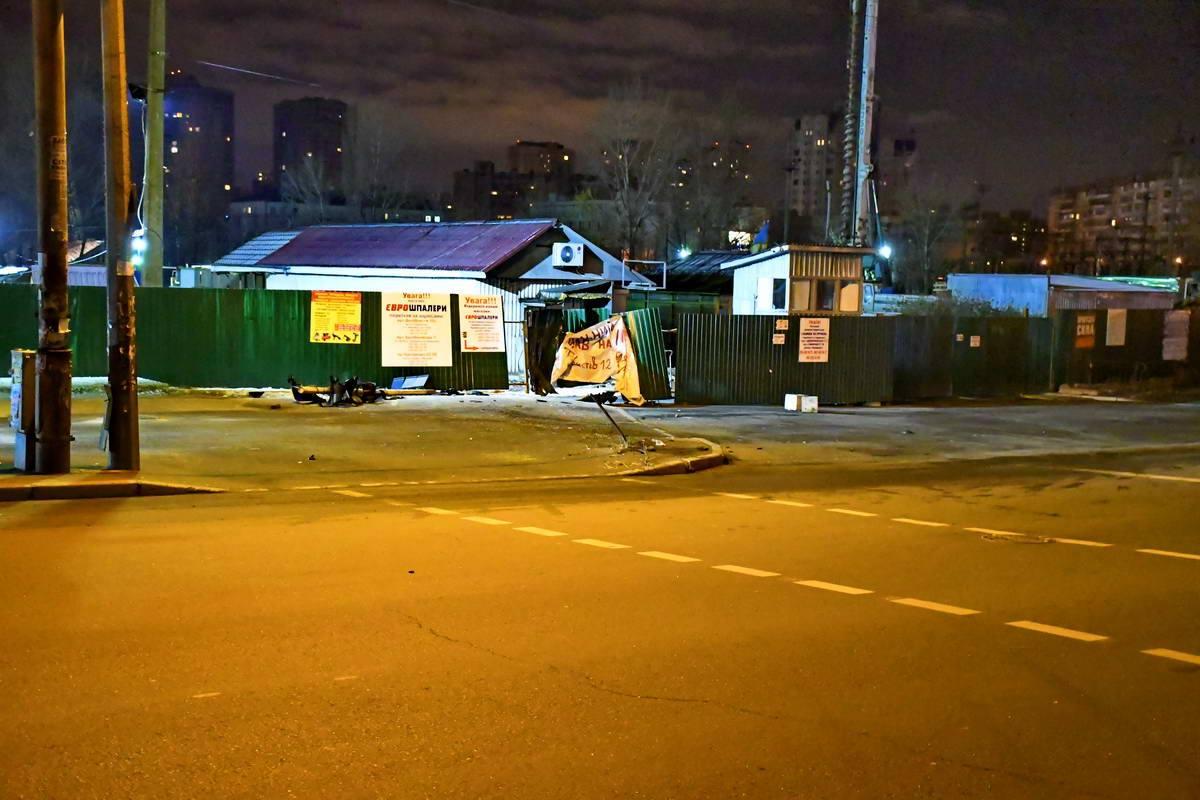 Автомобиль выезжал на улицу Ревуцкого