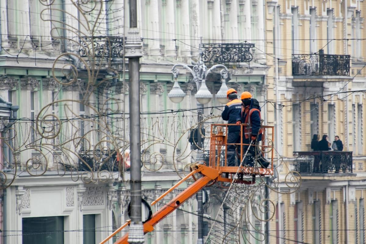 Включить всю иллюминацию в Киеве планируют 19 декабря