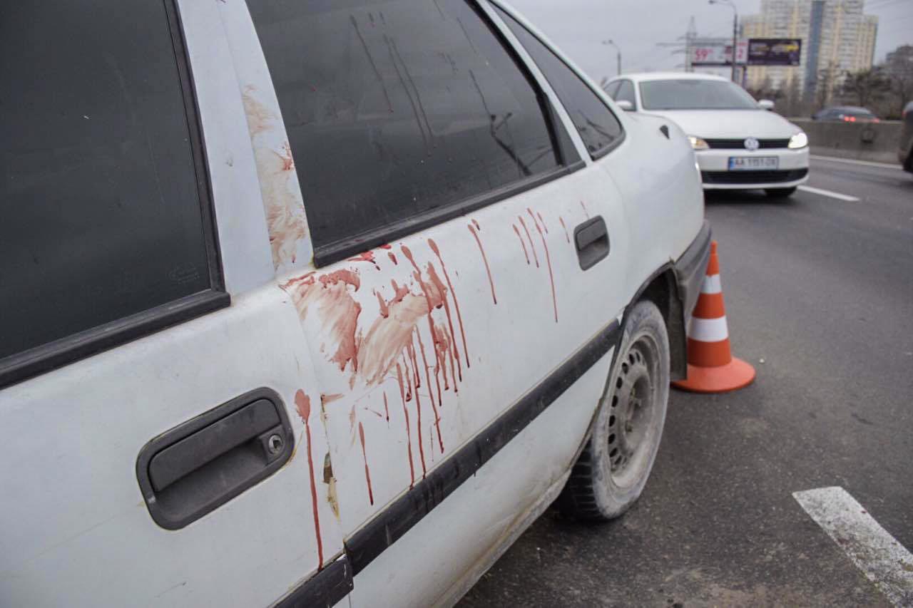 Opel весь в крови