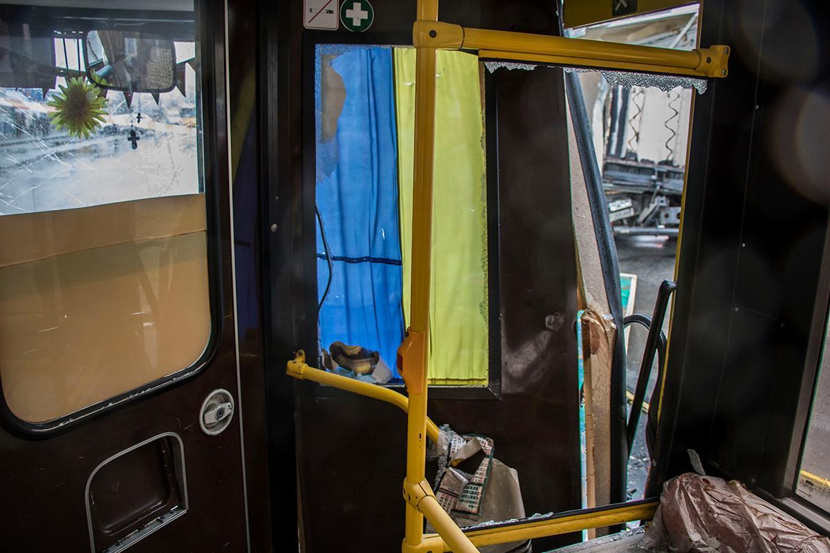 Одну пассажирку автобуса госпитализировали с подозрением на черепно-мозговую травму