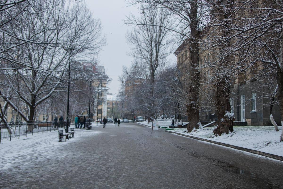 """Скоро на снегу появятся первые """"ангелы"""" и дети будут кататься на санках"""