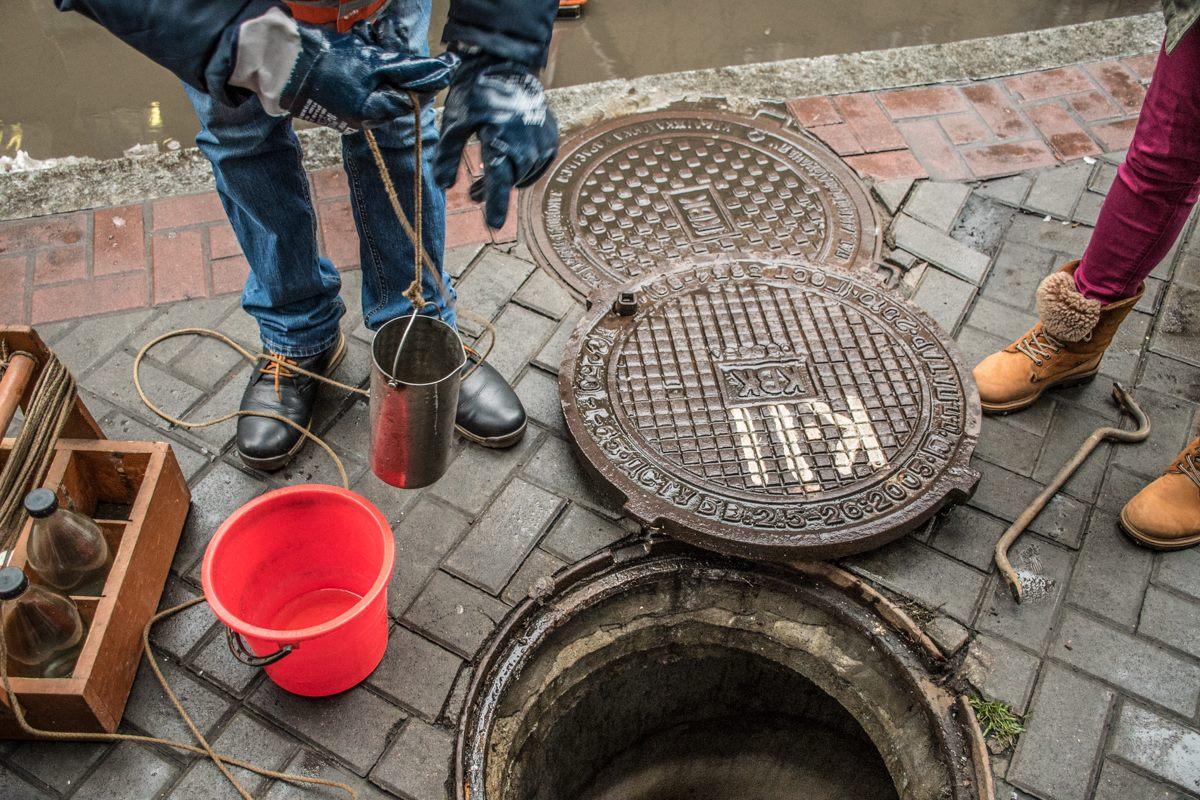 """Такие проверки """"Киевводоканал"""" проводит два-три раза в месяц."""
