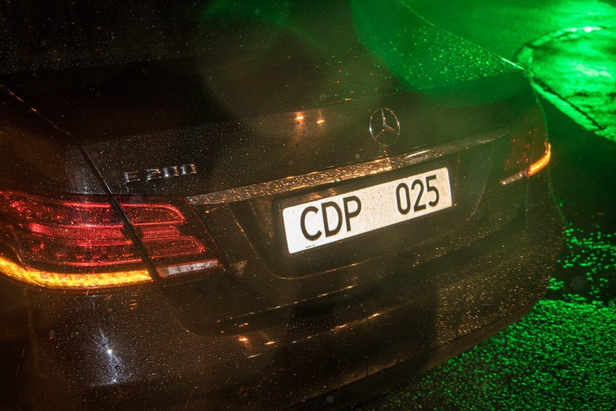 Авто посла Египта с дипломатическими номерами