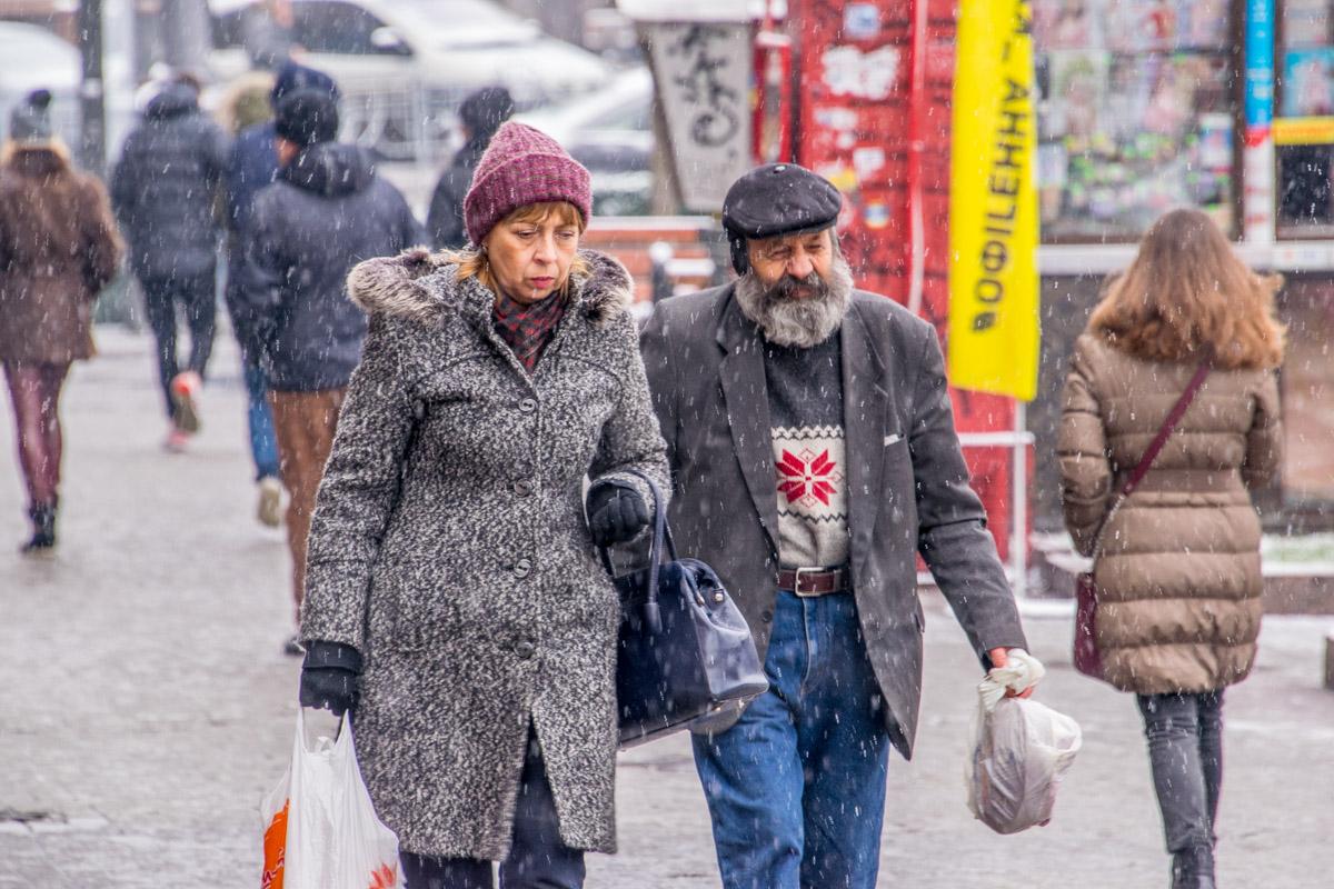 Хоть на улице холодно, некоторые не спешат утепляться